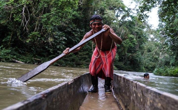 Achuar paddling